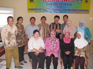 Guru-guru SMPN 2 Ciampel:Peserta Workshop TIK