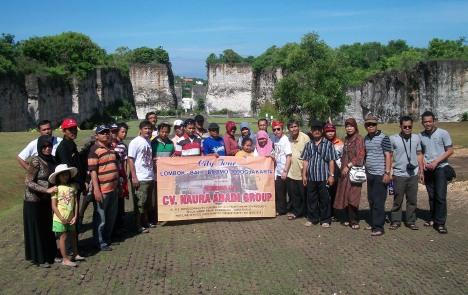 Kepala Sekolah,pengawas di lingkungan MKKS Kom.Telukjambe di kawasan wisata Garuda Wisnu Kencana,Bali